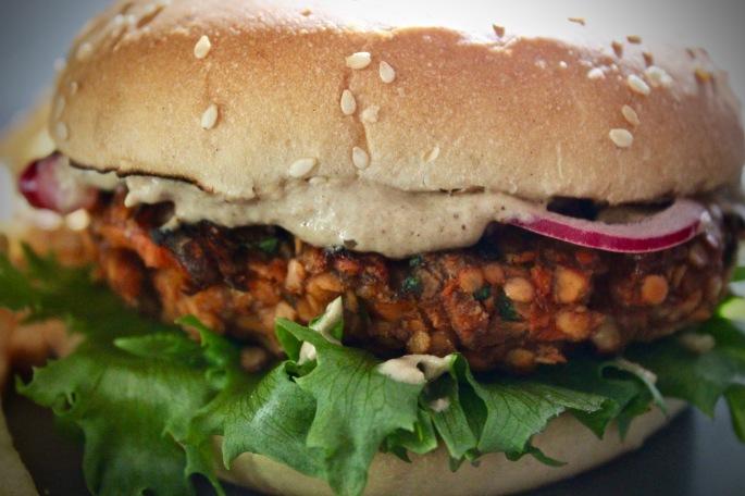 Vegetarburger av røde linser og gulrot 2