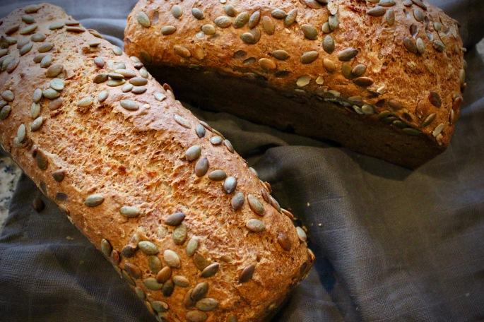 speltbrød med gresskarkjerner 3