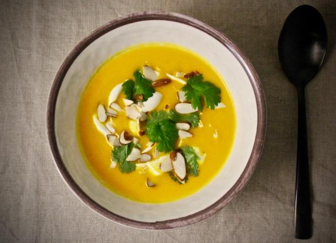 gulrot, appelsing og ingefær suppe