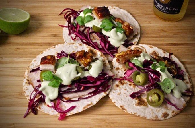 meksikansk ribbe taco rødkål avokadosaus