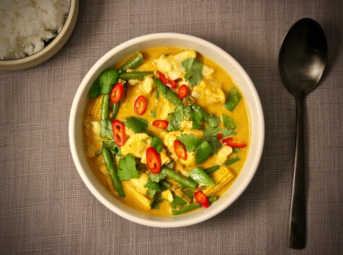 thai gul curry med torsk ovenfra