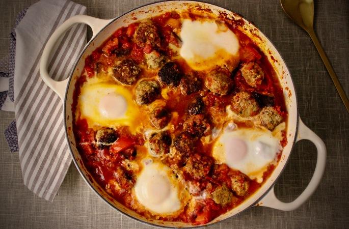tagine med kjøttboller, aubergine og egg 2